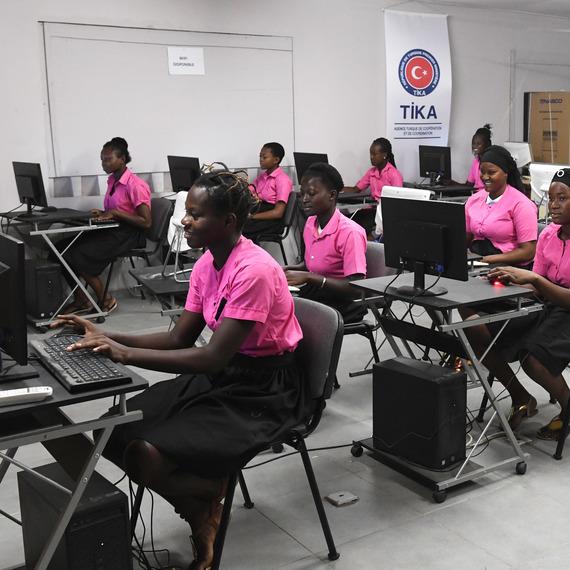 Un don pour l'avenir des jeunes filles en Côte d'Ivoire !