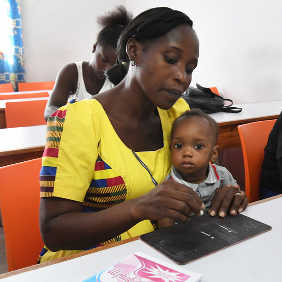 """Offrons aux jeunes filles ivoiriennes une perspective d'avenir """"Programme Girl Power en Côte d'Ivoire"""""""