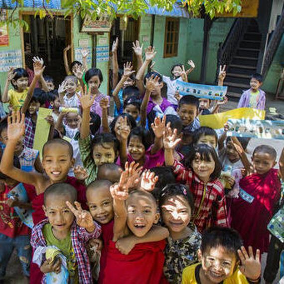Un don pour les enfants du Myanmar