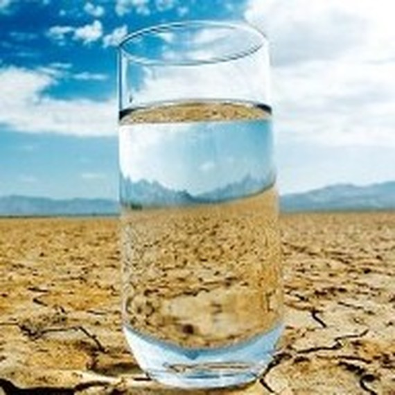 Verre eau desert 300x225
